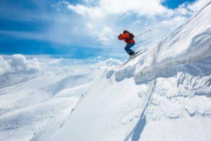 Sciare fuoripista: consigli tecnici per divertirsi senza rischi