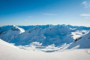 snowcovered-mountain-landscapes-val-dezze-lagorai