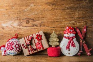 christmas-gifts-santa-claus-puts-snowman